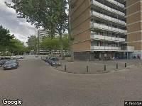 112 melding Ambulance naar Vrieschgroenstraat in Zaandam vanwege verkeersongeval