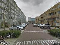Ambulance naar De Leeuw van Vlaanderenstraat in Amsterdam