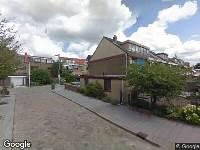 Ambulance naar Madroelstraat in Pernis Rotterdam