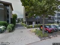 Ambulance naar G.A. van Nispenstraat in Arnhem