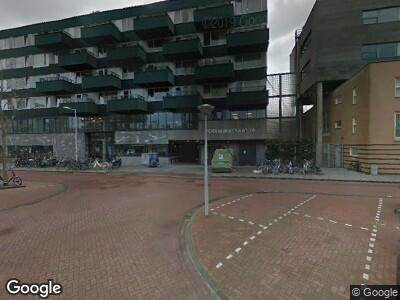 Ambulance naar Poeldijkstraat in Amsterdam