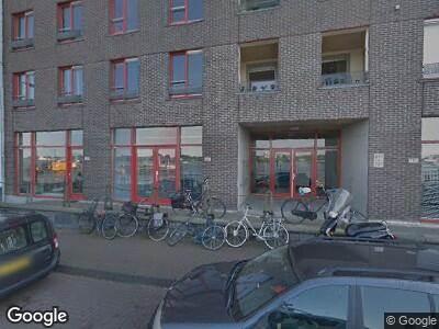 Ambulance naar Sumatrakade in Amsterdam