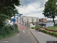 Ambulance naar Oostenburgerdwarsstraat in Amsterdam
