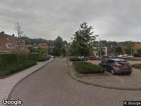 Ambulance naar Loeffstraat in Waalwijk
