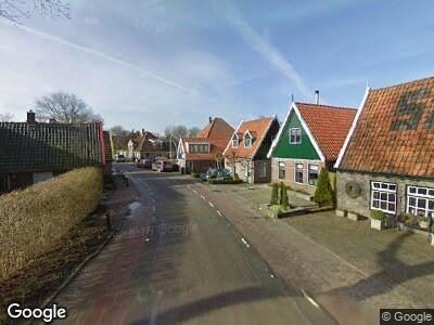 Ambulance naar Oostwouder Dorpsstraat in Oostwoud vanwege verkeersongeval