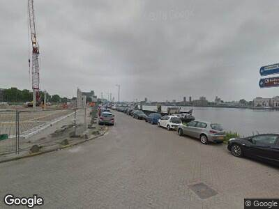 Ambulance naar Maashaven Z.z. in Rotterdam
