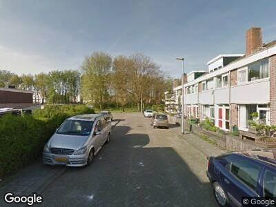Ambulance naar Willem Leevendstraat in Hoogvliet Rotterdam
