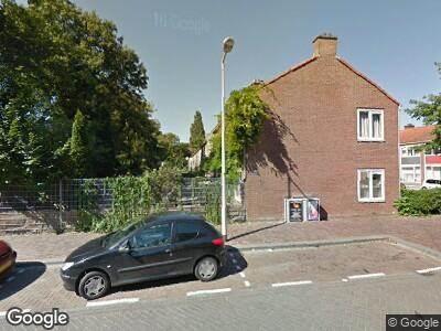 Ambulance naar Polderweg in Amsterdam