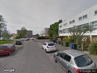 Brandweer naar Clazina Kouwenbergzoom in Rotterdam vanwege personen te water