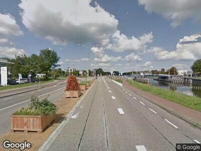 Ambulance naar Helderseweg in Alkmaar vanwege verkeersongeval