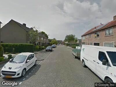 Ambulance naar Troelstrastraat in Strijen