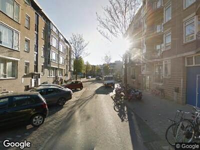 Ambulance naar Pieter Nieuwlandstraat in Amsterdam