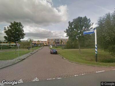 Ambulance naar Prins Constantijnweg in Rotterdam