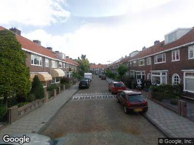 Ambulance naar Stalpaert van der Wielenstraat in Haarlem