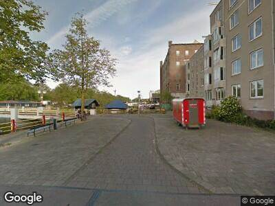 Ambulance naar Overhaalsgang in Amsterdam