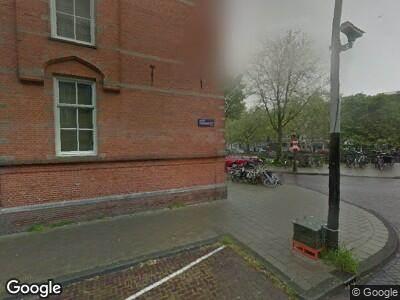 Ambulance naar Nieuwe Passeerdersstraat in Amsterdam