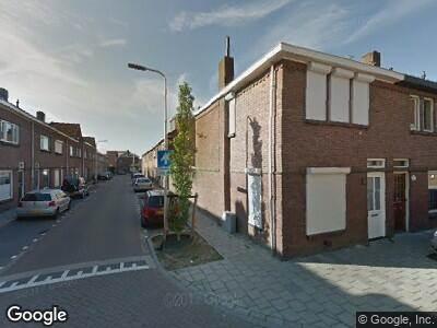 Ambulance met grote spoed naar Nachtegaalstraat in Tilburg