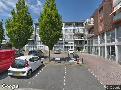 Ambulance met gepaste spoed naar De Werf in Monnickendam