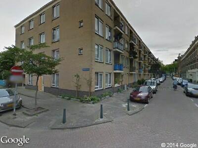 Brandweer met gepaste spoed naar Herlaerstraat in Rotterdam