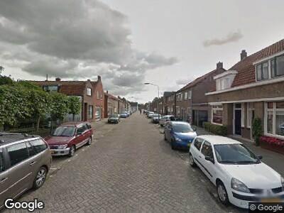 Ambulance met grote spoed naar Koningsdijk in Oosterhout