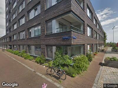 Ambulance met grote spoed naar Galjootstraat in Amsterdam