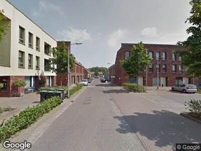 Ambulance met gepaste spoed naar Curaçaostraat in Tilburg