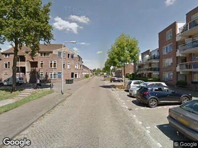 Ambulance met gepaste spoed naar Borculolaan in Tilburg