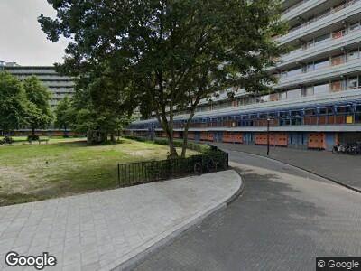 Ambulance met grote spoed naar Gooioord in Amsterdam