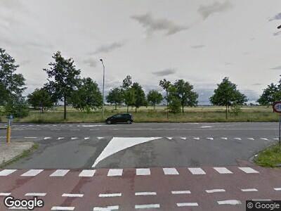 Ambulance met grote spoed naar Vondelweg in Haarlem