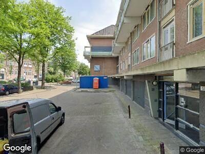Ambulance met grote spoed naar Roomtuintjes in Amsterdam