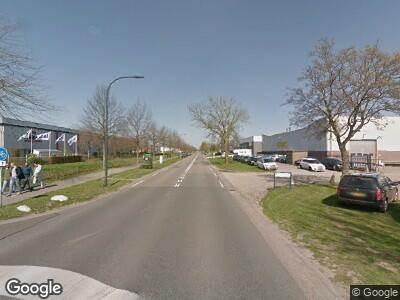 Brandweer met gepaste spoed naar Sluisweg in Waalwijk vanwege brand
