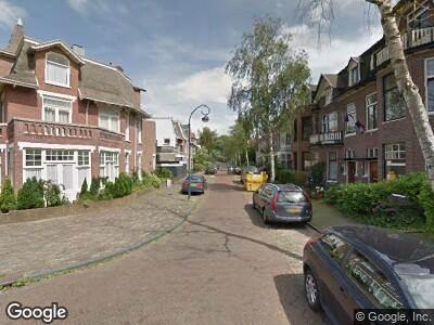 Ambulance met gepaste spoed naar Eindenhoutstraat in Haarlem