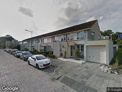 Ambulance met grote spoed naar Waalstraat in Beverwijk