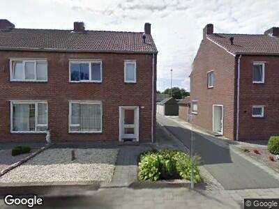 Ambulance met grote spoed naar Pastoor Brandstraat in Nederweert-Eind vanwege brand