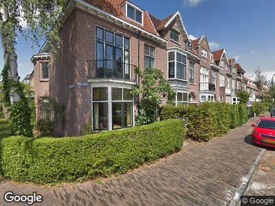 Brandweer met gepaste spoed naar Vredenhofstraat in Haarlem