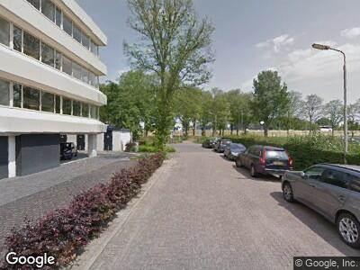 Ambulance met grote spoed naar Poortweg in Delft
