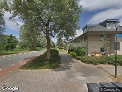 Ambulance met grote spoed naar Olympiadelaan in Amstelveen