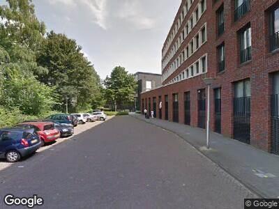 Ambulance met gepaste spoed naar Sibeliuslaan in Eindhoven