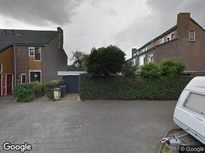 Ambulance met grote spoed naar Bredasingel in Arnhem