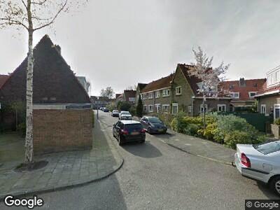Ambulance met grote spoed naar Venhuizenstraat in Amsterdam