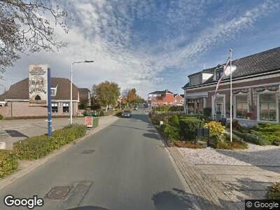 Brandweer met gepaste spoed naar Noordeinde in Roelofarendsveen vanwege een liftopsluiting