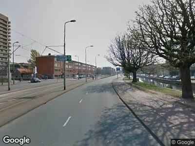 Ambulance met gepaste spoed naar Lijnbaan in 's-Gravenhage