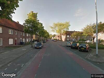 Ambulance met gepaste spoed naar Bennekelstraat in Eindhoven