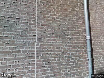 Ambulance met gepaste spoed naar Tweede Straatje van Best in 's-Hertogenbosch