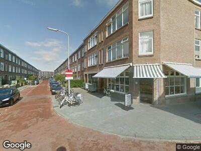 Ambulance met gepaste spoed naar Asterstraat in 's-Gravenhage