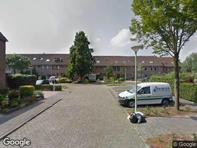 Ambulance met grote spoed naar Zwaanstraat in Duiven