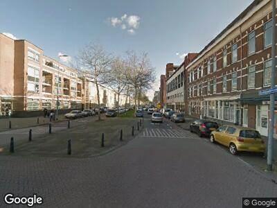 Ambulance met grote spoed naar Oranjeboomstraat in Rotterdam