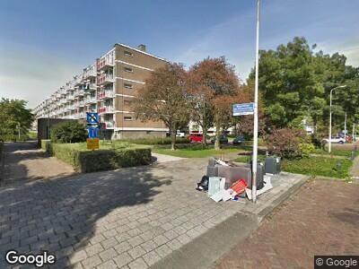 Ambulance met gepaste spoed naar Burgemeester van Duyvendijklaan in Leidschendam