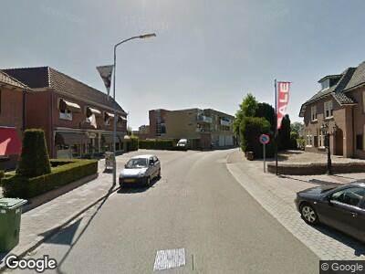 Ambulance met grote spoed naar Kerkstraat in Voorthuizen
