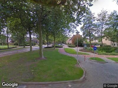 Ambulance met grote spoed naar Zoomwijcklaan in Oud-Beijerland